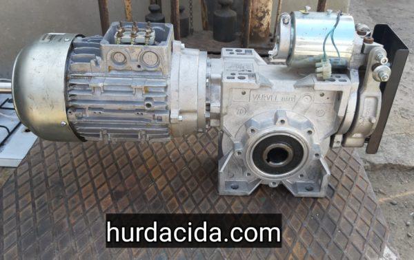 1.5 hp 25 devir frenli redüktör