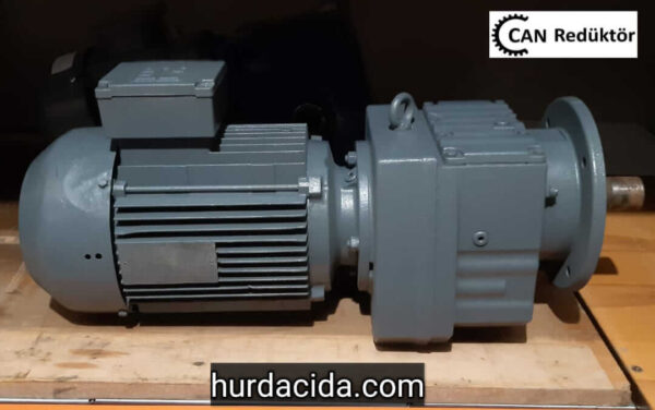 SEW RF67 3 HP Flanşlı Redüktör